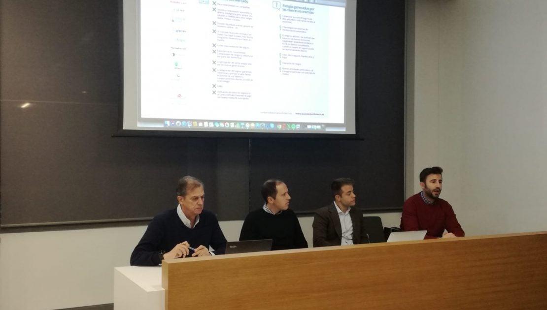 De izq. a drch. Martín Huete, vicepresidente de la AEFI; Juan Betés de Punto Seguro, Igor Fernández de Segguroo y Alejandro Mariño de Livetopic